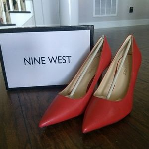 NWT Nine West pumps never with
